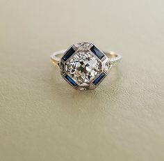 <b>No podemos dejar de pensar en esos anillos.</b> De seguro que ahora no los hacen como antes.