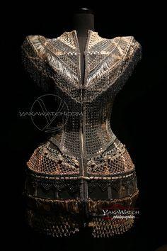 """Collection """"Les Actrices"""" 2009 - Porté par Beyoncé - Exposition Jean Paul Gaultier - Grand Palais - Paris"""