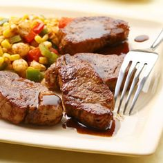 Recipe, grocery list, and nutrition info for Maple-Chili Glazed Pork Medallions. Pork medallions are quick and easy to prepare, and are particularly tasty with a maple-chili glaze. Low Sodium Recipes, Low Carb Dinner Recipes, High Protein Recipes, Heart Healthy Recipes, Pork Medallions, Pork Recipes, Cooking Recipes, Easy Recipes, Gourmet