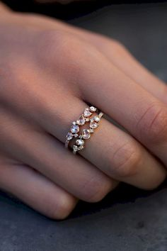 Cool 83 Simple Engagement Rings You'll Want To Wear Forever https://bitecloth.com/2017/06/23/83-simple-engagement-rings-youll-want-wear-forever/