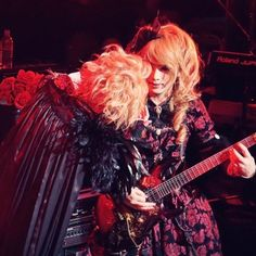 1- 「So、Close your eyes」 #Versailles #KAMIJO 2- 「You're my nine-ball」 #KAMIJO #Versailles 3- 「Staring at you」 #KAMIJO #Versailles 4- You look good in tuxedo #RoseFes2017 #Versailles 5- First c…