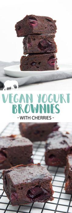 Vegan Yogurt Brownies with Cherries #vegan #brownies #dessert #sweet #plantbased via @elephantasticv Blondies Rezept, Vegan Treats, Vegan Snacks, Healthy Vegan Brownies, Diet Snacks, Vegan Food, Vegan Cake, Vegan Chocolate Cakes, Chocolate Cherry