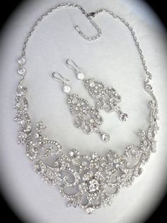 jewellery defines your personalty perfectly. Every bride;loves to wear magnificent ornaments;matching their;outfit. Here are some unique bridal necklace;options for you.  Scroll down and have a look t...