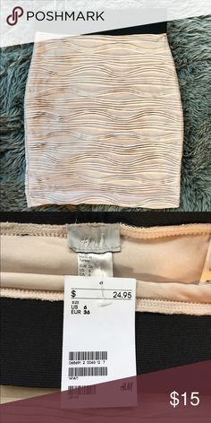 H&M Cream Pencil Skirt Never worn with tags, True to size H&M Skirts Pencil