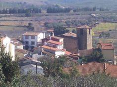 Estamos en el pueblo más pequeño de la Vera, Collado. Su iglesia está dedicada a San Cristóbal.
