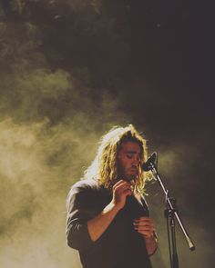 serious, made of stone, brother, runaway, winter.is there any song by matt corby that i don't love? Gorgeous Men, Beautiful People, Matt Corby, Knight In Shining Armor, Music Images, Man Images, Music Bands, Music Artists, Handsome