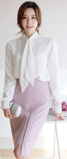 StyleOnme_Front Slit Midi H-Line Skirt #pink #feminine #slit #pencilskirt #koreanfashion #kstyle #kfashion #seoul #dailylook