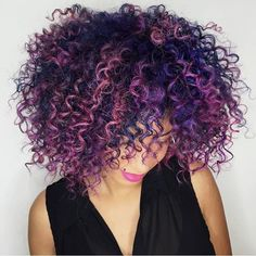 Hairstyles and Beauty: The Internet`s best hairstyles, fashion and makeup pics are here. Hairstyles Haircuts, Cool Hairstyles, Curly Hair Styles, Natural Hair Styles, Curly Hair Problems, Pelo Afro, Colored Curly Hair, Hair Color And Cut, Pastel Hair