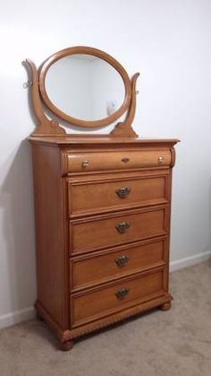 Lexington victorian sampler collection vanity tri view - Lexington victorian bedroom furniture ...