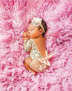 Beautiful Black Babies: Photo – Newborn About Newborn Baby Photos, Newborn Pictures, Baby Girl Newborn, Newborn Black Babies, Baby Daddy, Baby Girl Pictures Newborn, Baby Twins, Newborn Care, Maternity Pictures