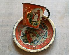 """victorian """"Little red riding hood """" child's tin litho cup and plate set.from the fairy tale. Vintage Cups, Vintage Dolls, Retro Vintage, Antique Toys, Red Riding Hood, Old Toys, Red Background, Illustrations, Little Red"""