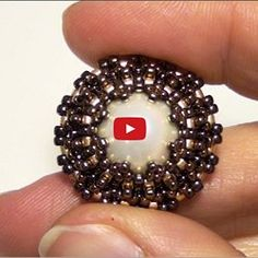 Square Tila Earrings Beading Tutorial by Honeybeads (Video tutorial) | Pearltrees