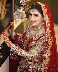 Brides / Dulhan from pakistan and india mostly on their barat day / wedding day leave to her husband's home. On barat wearing red & gold traditionally. Indian Wedding Makeup, Best Bridal Makeup, Bridal Beauty, Red Wedding, Asian Bridal Dresses, Bridal Outfits, Pakistan Bride, Bridal Pictures, Bridal Pics