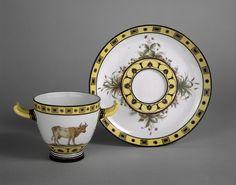 Service pour la laiterie de Rambouillet Gobelet à deux anses et soucoupe auteur(s) : Fumez (actif de 1777 à 1804), d'après Jean-Jacques Lagrenée le Jeune (1738-1821)   Porcelaine dure     Sèvres c.1788