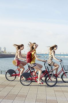Ride bikes in new cities. Fiat 600, Go Ride, Cycling Girls, Bicycle Girl, Bike Style, Life Is Beautiful, Photoshoot, Bicycling, Photography