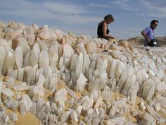 COOL PLACE ALERT! These are the Crystal Mountains  between the oasis Bahariya and Farafra, northern of the White Desert, Egypt. The Crystals are said to be either Barite  and/or Calcite crystals . Nature is Awesome! :)  Photo & Info:Geologyin
