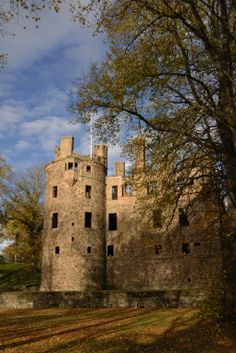 Huntly Castle in Aberdeenshire served as a baronial residence for five centuries, and once sheltered Robert the Bruce. #explore #castles #Scotland