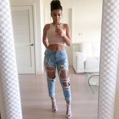 """""""These are clearly my favorite jeans  Top @missguided Jeans @colorsofaurora Shoes @missguided #glamrezy"""""""