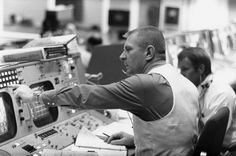 Gene Kranz, Flight Director at NASA; the character played by Ed Harris in Apollo Apollo 13, Apollo 11 Mission, Nasa Missions, Apollo Missions, Apollo Space Program, Johnson Space Center, Project Mercury, Mission Control, Space Race