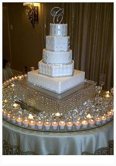 cool How to Decorate a Wedding Cake in a Fantastic Way