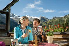 """Nur zwei Wanderstunden vom Adler Inn entfernt liegt die beliebte Bichlalm, von dort haben Sie einen wunderschönen """"view"""" zum Hintertuxer Gletscher, Sie können formlich zuschauen wie die Gondeln einzeln nach oben fahren... Aber nicht nur der Gletscher fasziniert, sondern die gesamten Bergkulisse... UNser Tipp: Der Kaiserschmarrn. Travel, Kaiserschmarrn, Ski, Hiking, Summer, Life, Tips, Nice Asses, Viajes"""
