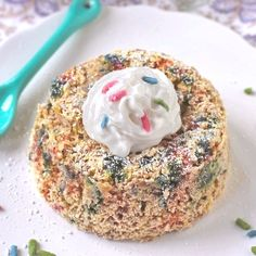 Healthy Funfetti Microwave Cake -- gluten free, sugar free and vegan!
