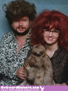 The 49 Most WTF Pictures Of People Posing With Animals SO funny ! This sloth picture is Roets Funny People Pictures, Funny Photos, Pet Photos, Weird Pictures, Kitten Photos, Awkward Pictures, Bizarre Photos, Funniest Pictures, Girl Photos