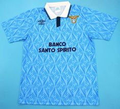 With its traditional blue colour, we offer you the elegant retro jersey of the Lazio Rome during the season. This jersey will please Lazio fans. Classic Football Shirts, Vintage Football Shirts, Vintage Jerseys, Retro Shirts, Soccer Shirts, Football Kits, Football Jerseys, Ss Lazio, Leotards