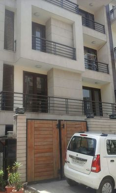 Live in luxury life in Vasant Vihar, Kothi 400 Sq. yard @24Cr. 260 Sq. yard @16Cr.  Livable house, wide rode, peaceful location, freehold for sale with reasonable price. Call for Enquiry: +91-9810055500