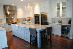 Kitchen Decorating and Designs by Karen Viscito Interiors - Mechanicsburg, Pennsylvania, United States - http://interiordesign4.com/design/kitchen-decorating-designs-karen-viscito-interiors-mechanicsburg-pennsylvania-united-states/