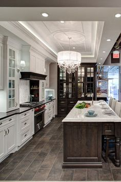 Love the contrasting island and counters