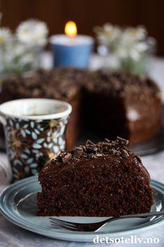 Café Stings sjokoladekake (med ekstra mye sjokoladekrem) | Det søte liv Types Of Cakes, Recipe Boards, Let Them Eat Cake, Chocolate Cake, Nom Nom, Food And Drink, Cooking Recipes, Sweets, Chicolate Cake
