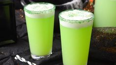 Enjoy this spooktacular witches brew recipe inspired by Hocus Pocus. Hocus Pocus Movie, Hocus Pocus Witches, Refreshing Drinks, Yummy Drinks, Authorized Disney Vacation Planner, Lime Sherbet, Disney World Restaurants, Disney Food