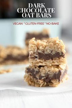 No bake peanut butter fudge oat bars! Vegan and gluten-free. These yummy bars take about 15 minutes to prep. Easy treat for the summer brunch table or BBQ traybake. Kids love these! Vegan Protein Bars, Healthy Vegan Snacks, High Protein, Healthy Life, Paleo, Chocolate Granola, Healthy Chocolate, Chocolate Recipes, Gourmet Recipes