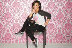 Demi Lovato Skechers Holiday Collection 2014 - Demi Lovato Skechers Memory Foam Sneakers - Seventeen