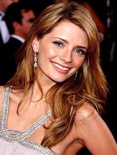 Mischa Barton (Mischa Anne Marsden-Barton) 24 de enero de 1986 (edad 30), Hammersmith, Londres, Reino Unido - Es una actriz y modelo británico-estadounidense, especialmente célebre por su papel de Marissa Cooper en la serie de televisión estadounidense The O.C.