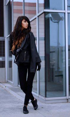 Pimp your style cu Deea Cudeea, Sinzi & KENVELO Fall Winter 2013/2014 Lasati-va inspirate de stilul celor 2 tinere! Pimp your style cu Deea Cudeea, Sinzi & KENVELO Your Style, Fashion, Moda, Fashion Styles, Fasion