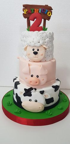 How cute is the Farmyard Animal stack cake from . Farm Birthday Cakes, Animal Birthday Cakes, Cake Table Birthday, Farm Animal Birthday, 2nd Birthday, Birthday Ideas, Birthday Parties, Barnyard Cake, Farm Cake