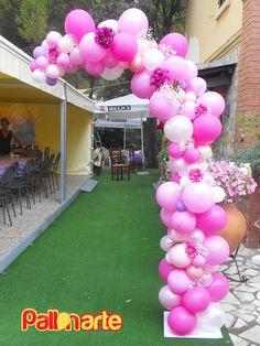 arco palloncini irregolari fiori elegante ingresso battesimo matrimonio palloncini grosseto organic arch