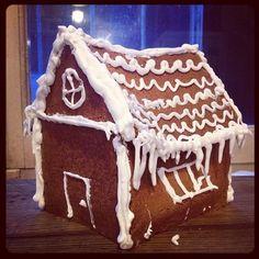 Maison en pain d'épices fait maison #cuisine #food #faitmaison #homemade #cooking #eating #foodgasm #maison #paindépices #cake #gâteaux #pât...