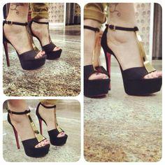 Wow, eleganti scarpe nere!