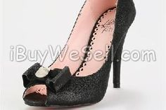 http://www.ibuywesell.com/en_AU/item/Hello+Kitty+Racine+Heels+Sydney/49564/