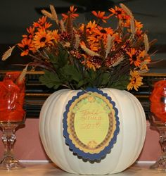 How to Create a pumpkin centerpiece - also using Cricut Imagine for the tag Cricut Expression 2, Pumpkin Centerpieces, A Pumpkin, Thanksgiving, Paper Crafts, Holidays, Table Decorations, Decorating, Create