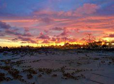 O céu de Aracaju!  Eu moro ou não moro no lugar mais lindo do mundo?  Aqui é comum termos esse presente no fim de tarde.  #ceu #pordosol #aracaju #sergipe #lindo #semfiltro #natureza #praia #amo #like #curta #l4l #siga #f4f #sdv