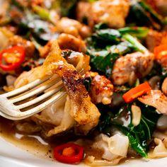 Thai Chicken & Gravy Noodles 'Rad Naa' - Marion's Kitchen