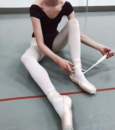 on insta - Leotards Ballet Class, Ballet Dancers, Ballet Photos, Tiny Dancer, Ballet Photography, Just Dance, Dance Outfits, Leotards, Athlete