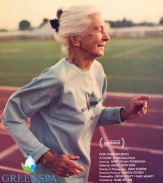 Joy Johnson art arda 25 kez New York City Maratonunda yarıştı. 86 yaşındaydı. Spor yapmanın bahanesi yok. Kendiniz ve bedeniniz için spor yapın...