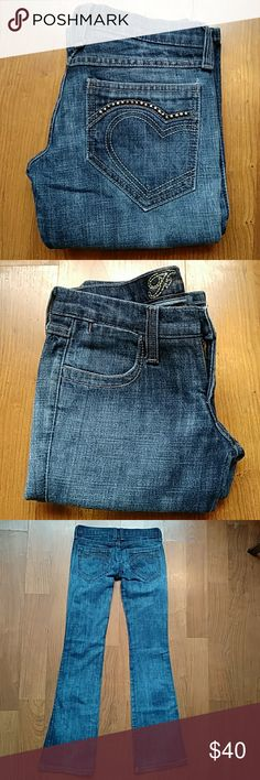 🎉SALE🎉Awesome! Frankie B 👖 Pre-loved💘 In excellent condition 9/10 Waist: 27 Inseam: 33 PRICE IS FIRM 🌹🌹🌹Bundle & save on shipping✈✈✈ Thanks 4 stopping by💐💐💐 Hudson Jeans Jeans Boot Cut