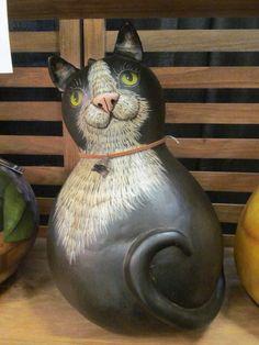 Gourd cat by Kim Gladfelter Decorative Gourds, Hand Painted Gourds, Gourd Crafts, Paper Animals, Photo Transfer, Gourd Art, Book Shelves, Corks, Giraffes