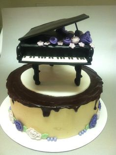Piano cake - by Karmarie @ CakesDecor.com - cake decorating website